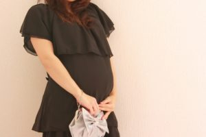 妊娠中に親族の結婚式に参列!妊婦さんにおすすめのマタニティドレス